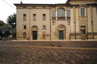 L'esterno del Teatro di Palazzo d'Arco