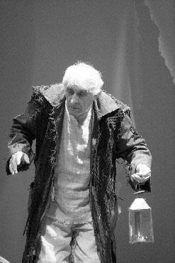 """L'ACCADEMIA TEATRALE &lrquo;FRANCESCO CAMPOGALLIANI"""" in scena con Re Lear."""