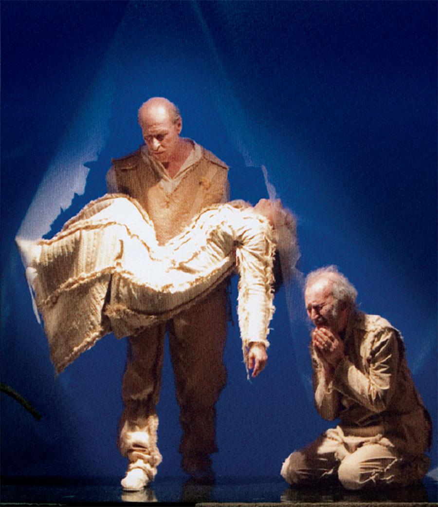 """ACCADEMIA TEATRALE """"FRANCESCO CAMPOGALLIANI"""" di Mantova in scena con Re Lear (fotografia di Davide Guaglio)"""