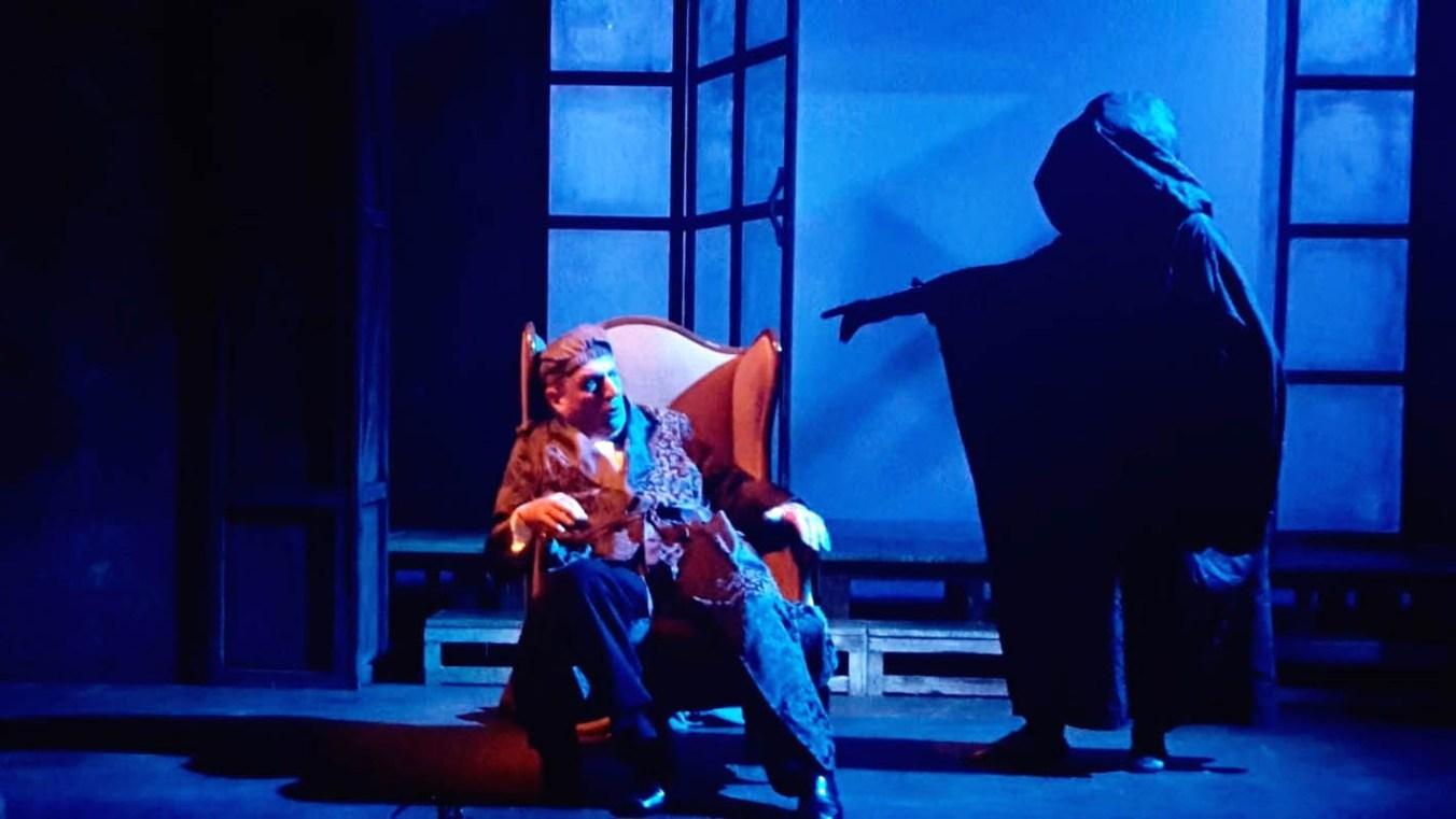 Scrooge e lo spirito dei natali futuri